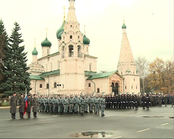 Репетиция парада сотрудников полиции