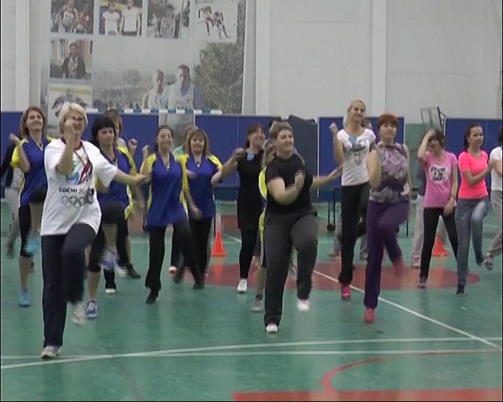 50 учителей превратились в спортсменов