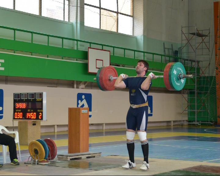 Два серебра с Кубка России по тяжелой атлетике среди ветеранов