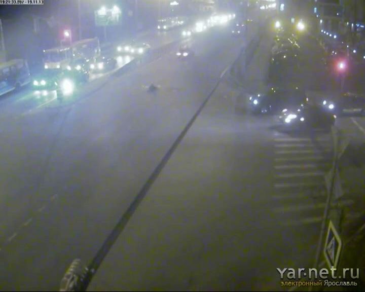 Хотел перейти дорогу на зеленый свет - сбил ВАЗ