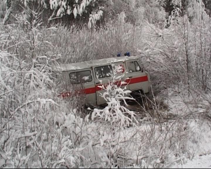 Снежные заносы стали причиной аварий