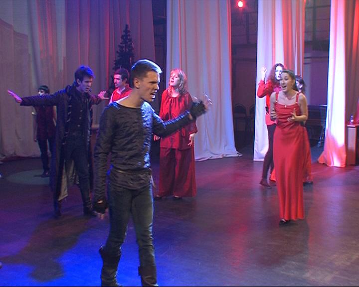 Ромео и Джульетта запели на французском