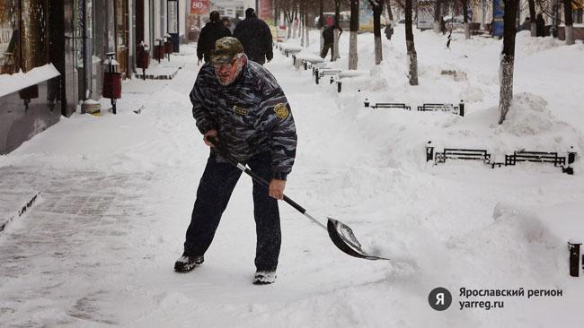 Чиновники раскритиковали уборку улиц Ярославля от снега