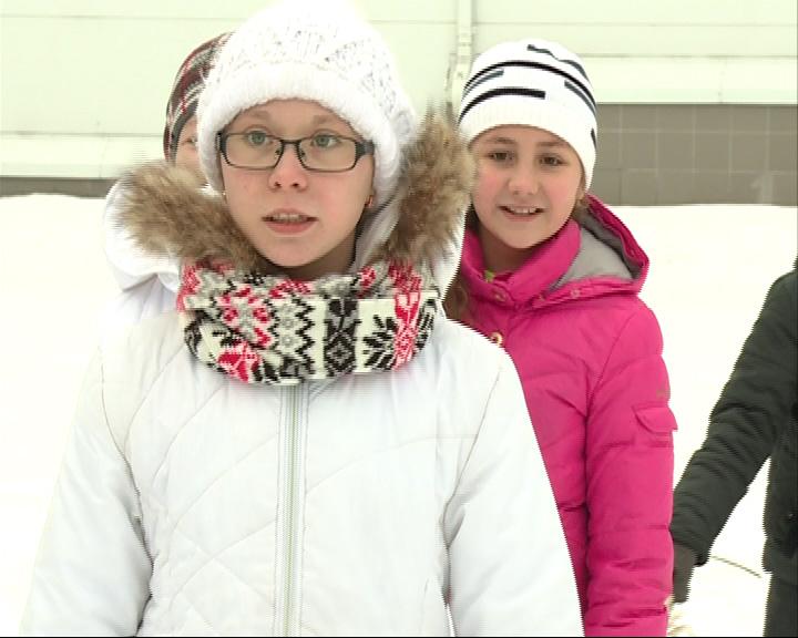 В зимних забавах принял участие Олимпийский чемпион Александр Соколов