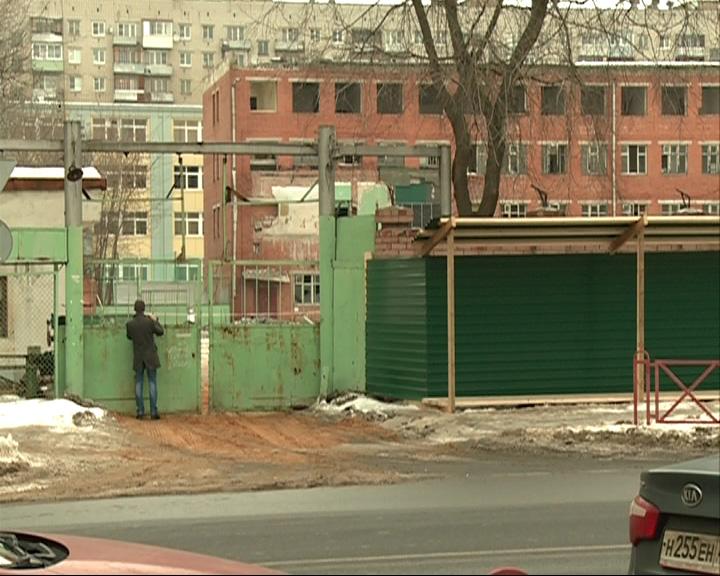 Под снос пошло здание бывшего хлебозавода
