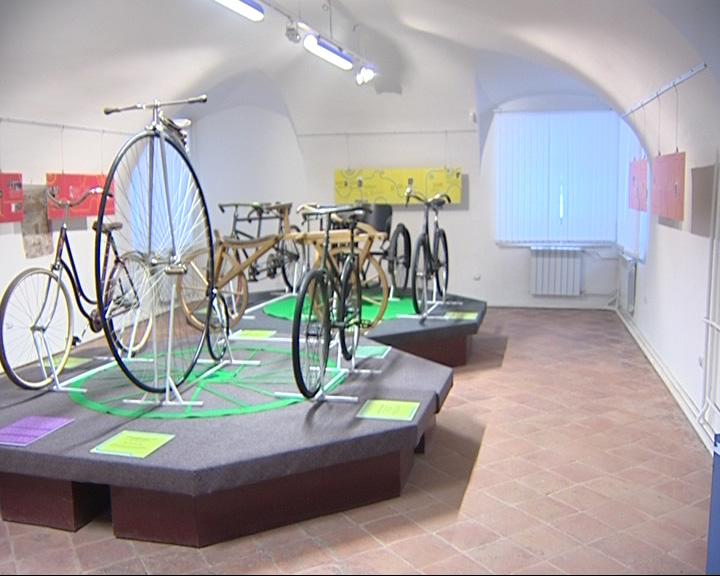 Открылась выставка велосипедов