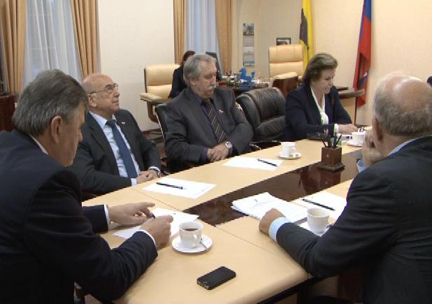 Областные парламентарии принимали федеральных коллег