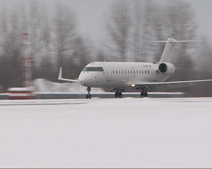 Пассажиры самолетов больше не смогут проносить на борт жидкости