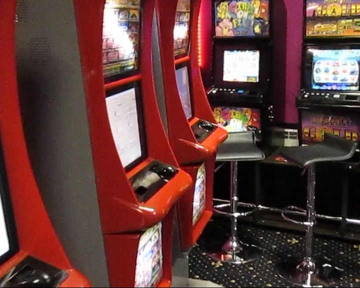 В Рыбинске сотрудники полиции накрыли зал игровых автоматов