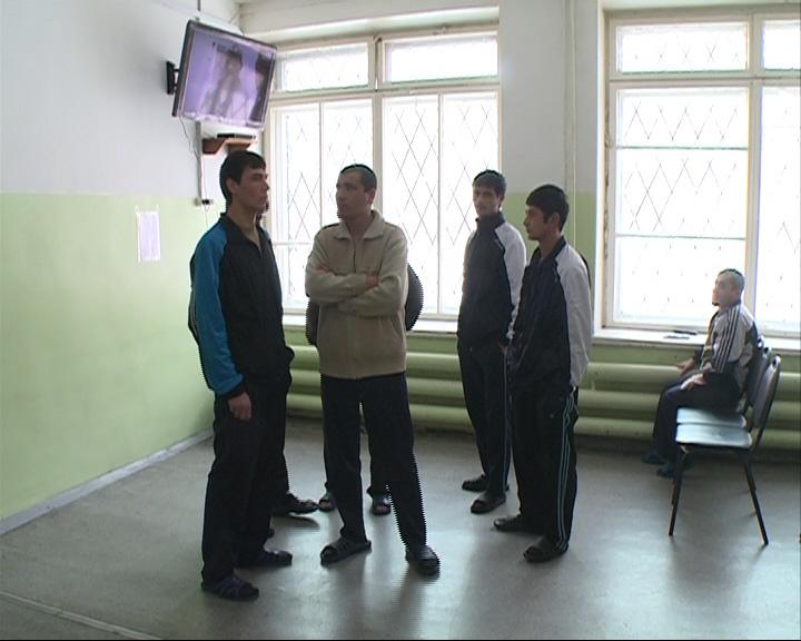 Граждане Таджикистана сбежали из центра временного содержания