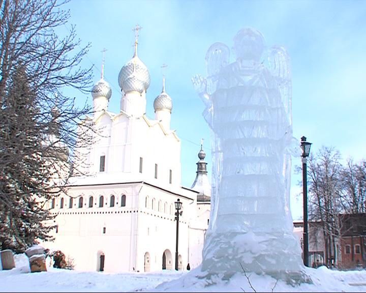 В Ростовском кремле вновь построено ледяное царство