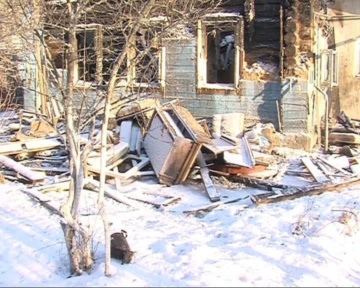 На улице 2-я Больничная в Ярославле сгорел жилой дом