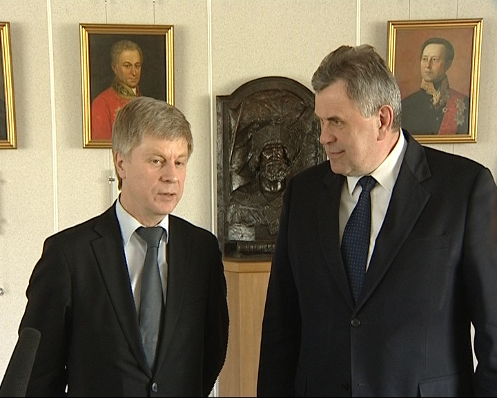 Встречают президента РФС Николая Толстых