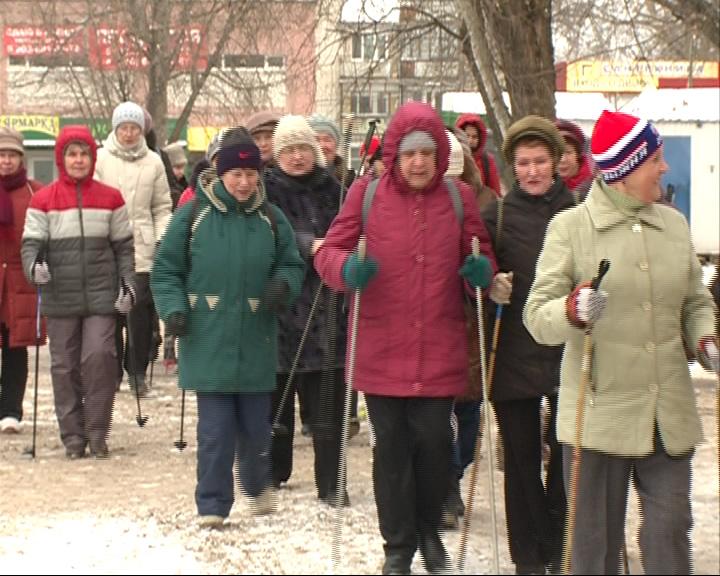 Ко дню старта Олимпиады ярославские пенсионеры устроили марш-бросок