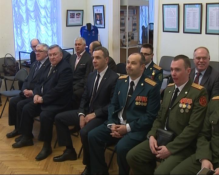 Депутаты и военные обменялись поздравлениями