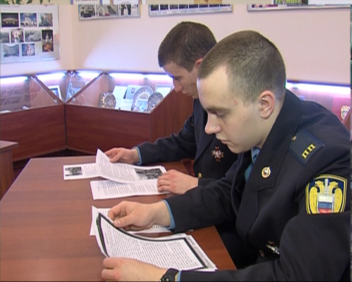 Кадеты написали письма солдатам Президентского полка