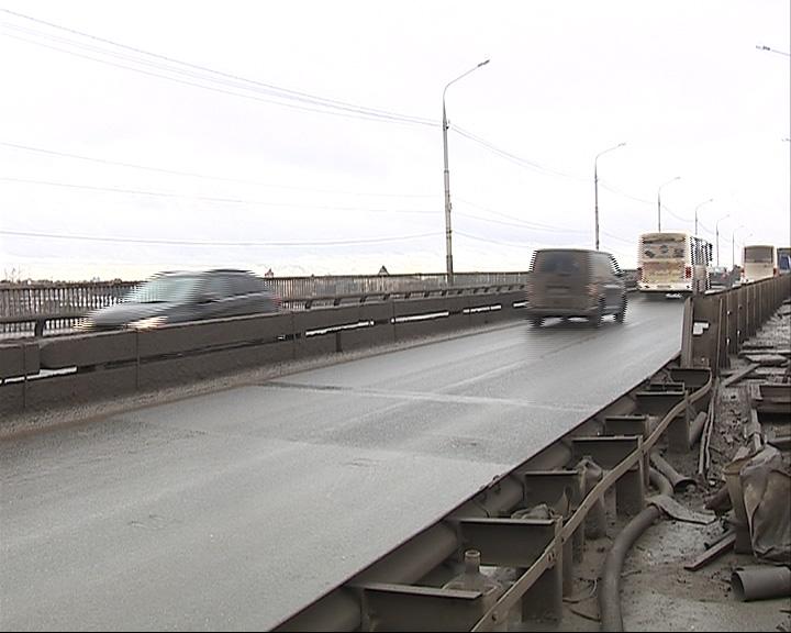20 марта Октябрьский мост вновь закрывается для проезда личного транспорта