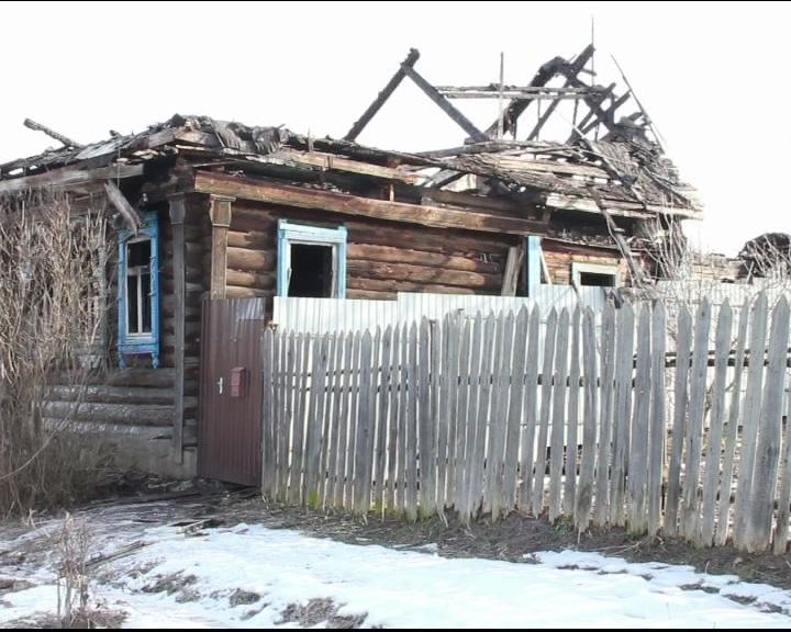 В Угличе горел жилой дом