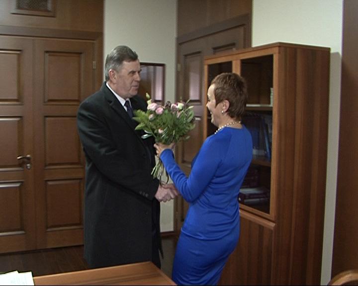 Сергей Ястребов рабочий день начал с поздравлений