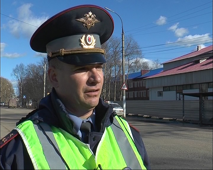 Инспекторы ГИБДД ловили водителей, которые перевозят маленьких пассажиров без детских кресел