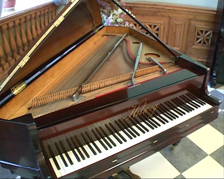 В Ярославль вернулся старинный рояль