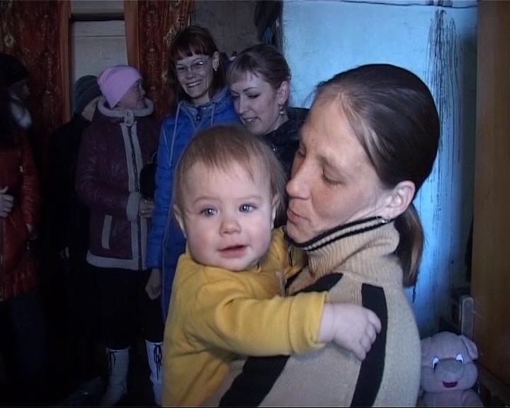 Сироту с двумя детьми не оставили в беде