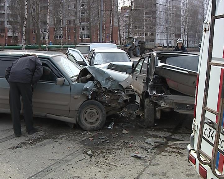 Авария с участием трех автомобилей