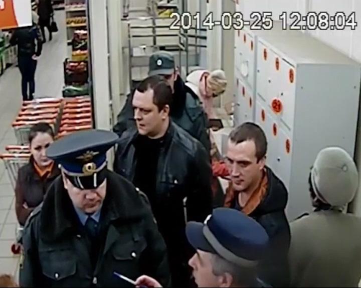 Продавцы и полицейский задержали вора