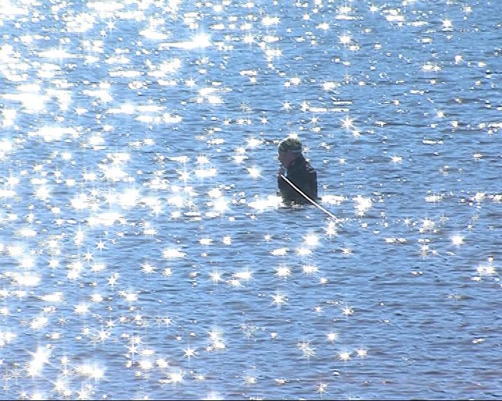 Спасатели извлекли из воды тела двух рыбаков