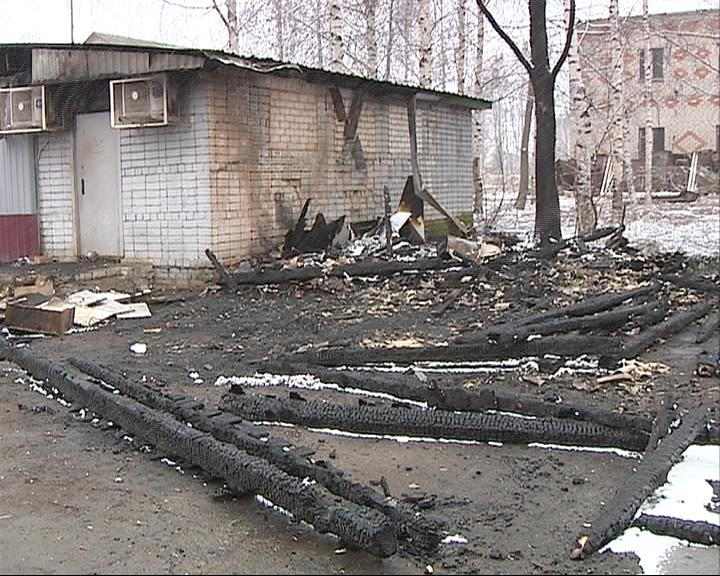 В Рыбинском районе сгорел продуктовый магазин