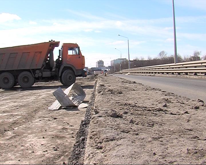 На Октябрьском мосту подошел к концу очередной этап реконструкции