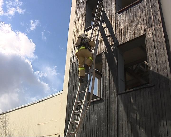Спасатели проходят пожарную аттестацию