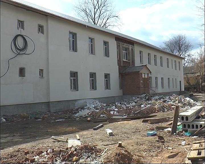 Ремонт детской поликлиники завершится летом