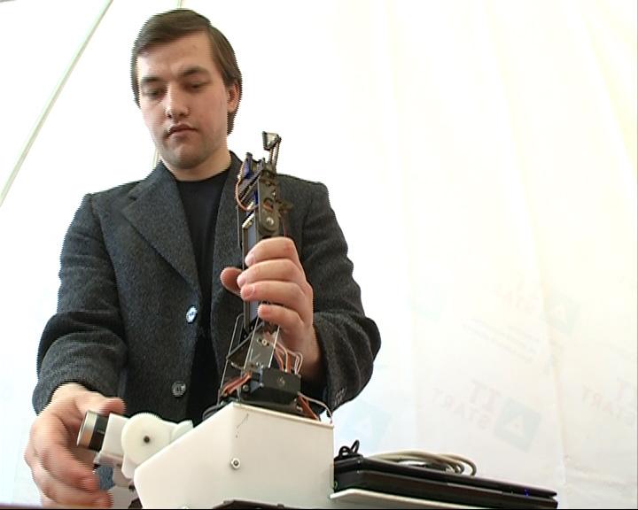Открылась выставка робототехники