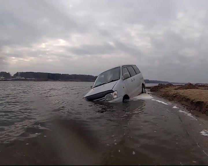 Крутое пике устроили ярославские водители