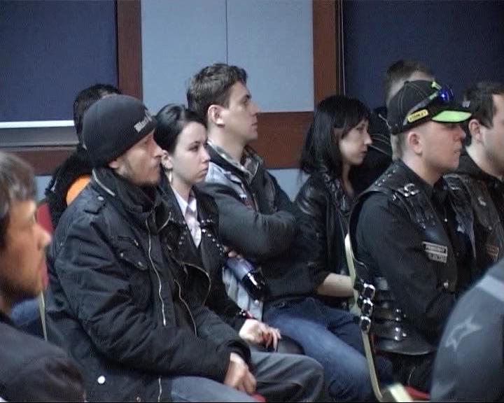 Дорожные полицейские пообщались с ярославскими байкерами