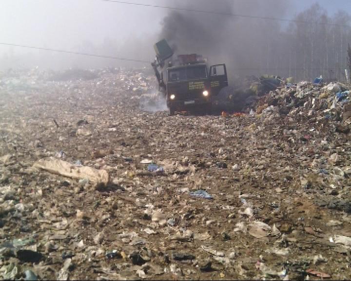 Сгорел мусоровоз «КАМАЗ» и находившийся в его кабине водитель