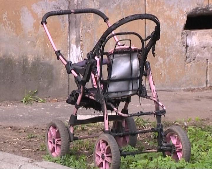 В Рыбинске сгорели три детские коляски