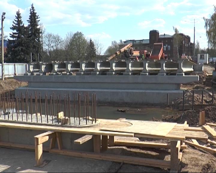 Заменили пролет моста в Переславле