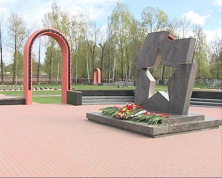 На Воинском мемориальном кладбище появились камеры видеонаблюдения