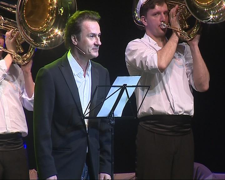 Концерт-спектакль Олега Меньшикова и его духового оркестра