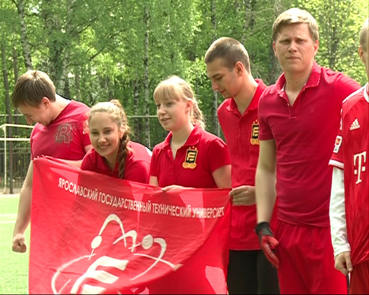 Состоялся первый студенческий турнир по флаг-футболу