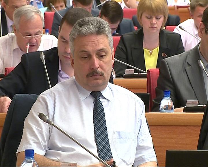 Парламентарии вносят поправки в бюджет