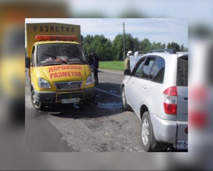 В аварию попал автомобиль дорожной разметки