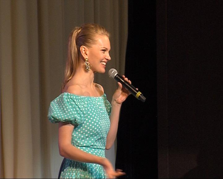 Топ-модель Елена Кулецкая посетила Ярославль
