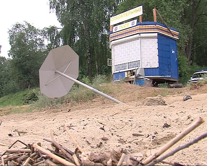 В поселке Норское разгромили спасательный пост