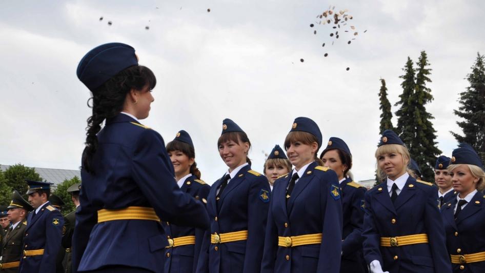 В Ярославле вручили дипломы выпускникам филиала Военно-космической академии