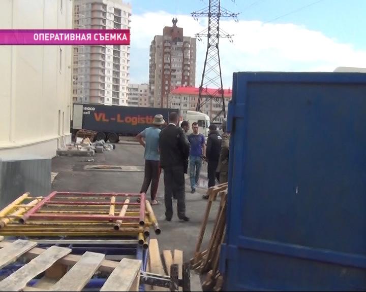 16 гастарбайтеров задержали сотрудники миграционной службы