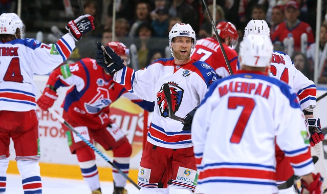 В «Локомотив» перешли два форварда «Лева»