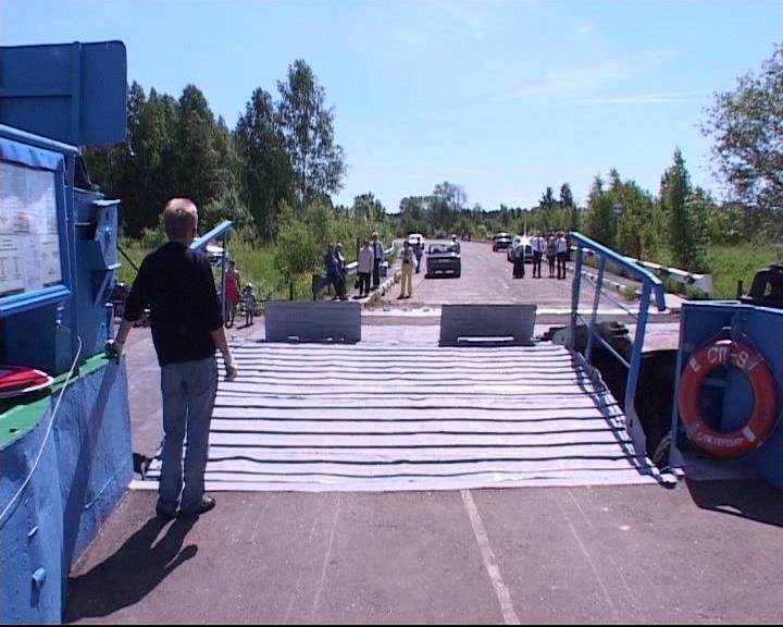 В Некрасовском районе переправа по реке в этом году так и не заработает